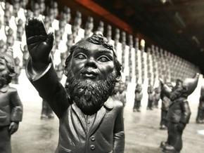 В Германии садовых гномов заподозрили в нацизме