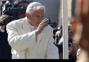 Сегодня Папа Римский Бенедикт XVI покидает свой престол