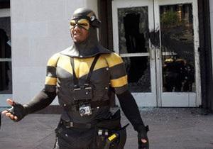 Школьник из Сиэтла сломал палец о местного супергероя