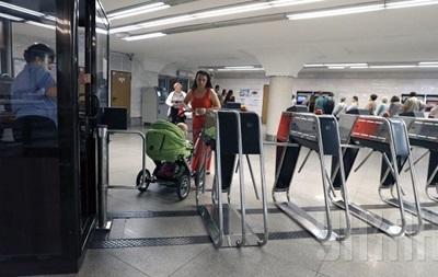В киевском метро введут оплату банковской картой