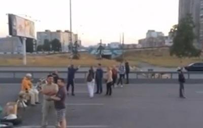Милиция открыла дело по блокаде проспекта Бажана в Киеве