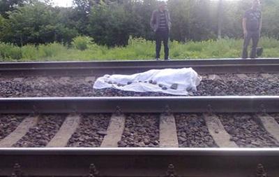 В Хмельницкой области военный погиб, выбросившись из поезда
