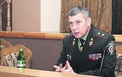 Экс-командующего внутренними войсками объявили в розыск