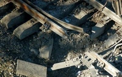 В Донецкой области подорвали пути под товарным поездом