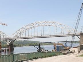 Железнодорожники сообщили о замедлении строительства моста в Киеве