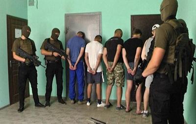 Драка в Харькове: МВД показало фото и оружие задержанных