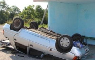 В Тернополе пьяный водитель влетел в остановку