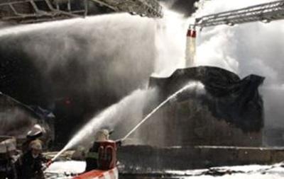 На нефтебазе под Киевом горят два резервуара