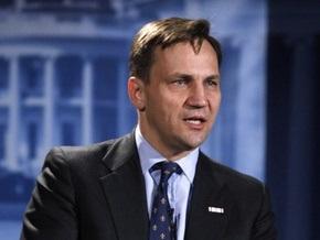 МИД Польши: Сикорский не призывал разместить войска США для защиты от России