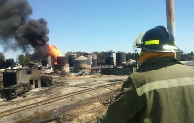 В ГСЧС заявили об отсутствии угрозы взрыва на нефтебазе
