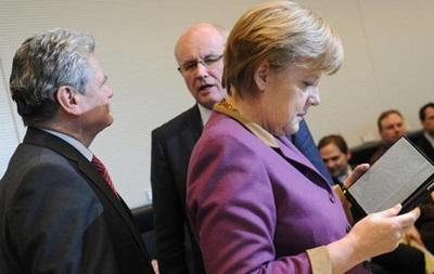 Bild: Компьютер Меркель атаковали хакеры