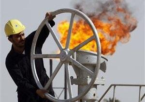 Мировые цены на нефть продолжают снижаться до минимумов за год