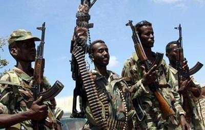 В столице Сомали боевики захватили здание: идет бой