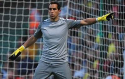 AS: Клаудио Браво подал в суд на Барселону и Реал Сосьедад