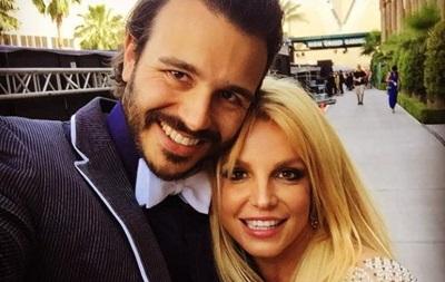 Бритни Спирс и Чарли Эберсол расстались