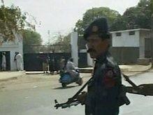 В Пакистане исламисты захватили школу