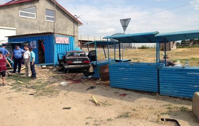 В Одесской области машина въехала в рынок, есть погибшие