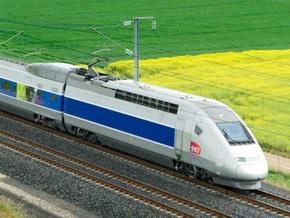 Во Франции пассажиру поезда засосало руку в унитаз