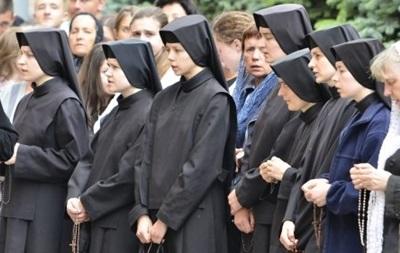 Лидеров секты  догналитов  выдворили из Украины