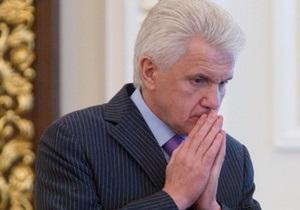 Литвин не понял, почему БЮТ блокировал трибуну