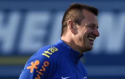 Тренер сборной Бразилии оправдался вирусом за вылет из Копа Америка