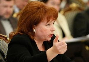 Януковича просят обратить внимание на проблему с лечением рака молочной железы
