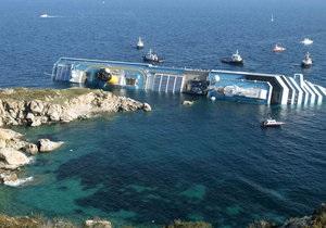 Итальянский лайнер мог напороться на риф с подводной статуей Иисуса Христа - источник