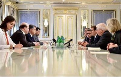 Конгрессмены обсудили с Порошенко сотрудничество в военной сфере