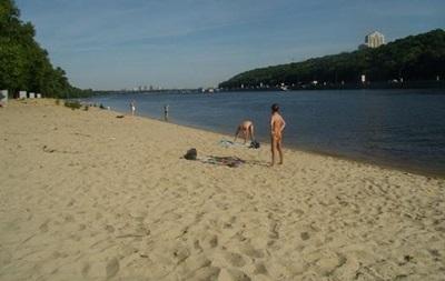 В Киеве уменьшается число пригодных для купания пляжей