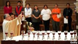 Епископ в США подал в отставку из-за тайной семьи