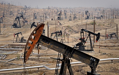 Нефть дешевеет из-за роста числа буровых установок в США