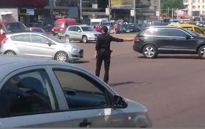 Новая полиция Киева: патрульные вручную регулируют движение