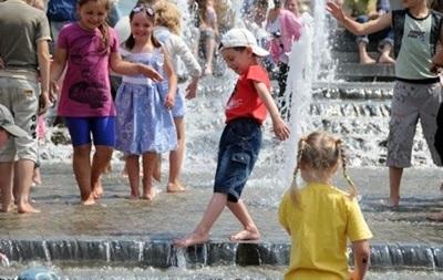Завтра в Киеве и области будет сильная жара