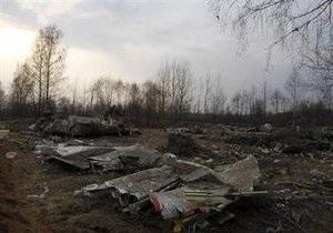 СМИ: Посторонним в кабине самолета Качиньского был командующий польскими ВВС