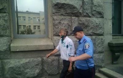 В Харькове депутата облили зеленкой за отказ признать РФ агрессором