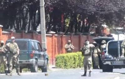 Опубликовано оперативное видео начала стрельбы в Мукачево