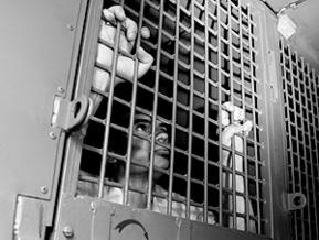 Винницким заключенным подарили 26 тысяч презервативов