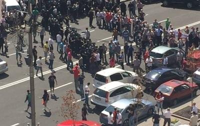 Митингующие разблокировали движение по Крещатику