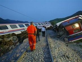 В Турции сошел с рельсов пассажирский поезд