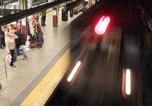 В Нью-Йорке женщина напала с ножом на пассажиров метро, ранены семь человек