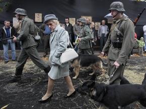 Фотогалерея: В Киеве открыли памятник жертвам Бабьего Яра