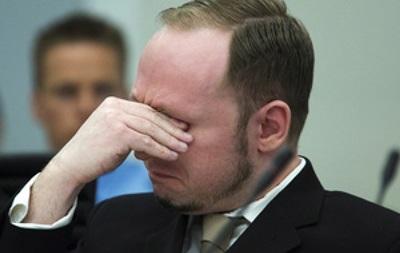 Убивший 77 человек Брейвик принят в университет Осло