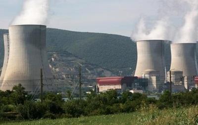 Франция будет сокращать долю атомной энергетики