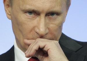 Азаров заявил, что Путин никогда не прибегал к давлению на украинскую сторону