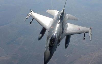 Турция впервые нанесла авиаудары по позициям ИГ в Сирии