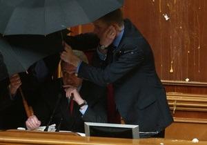 Беспорядки в Раде: Литвин призвал нардепов добровольно возместить ущерб