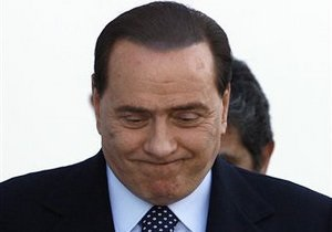 Итальянский телеканал оштрафовали за трансляцию интервью Берлускони