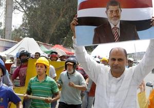 Эштон не удалось убедить Мурси официально покинуть пост президента