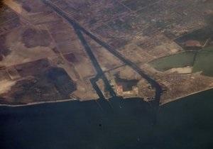 Прохождение иранских судов через Суэцкий канал отложили на двое суток