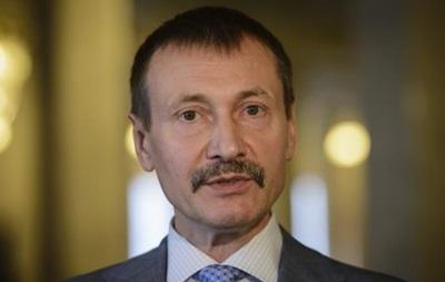 Оппозиция резко раскритиковала Яценюка за намерения усилить рекламу Украины